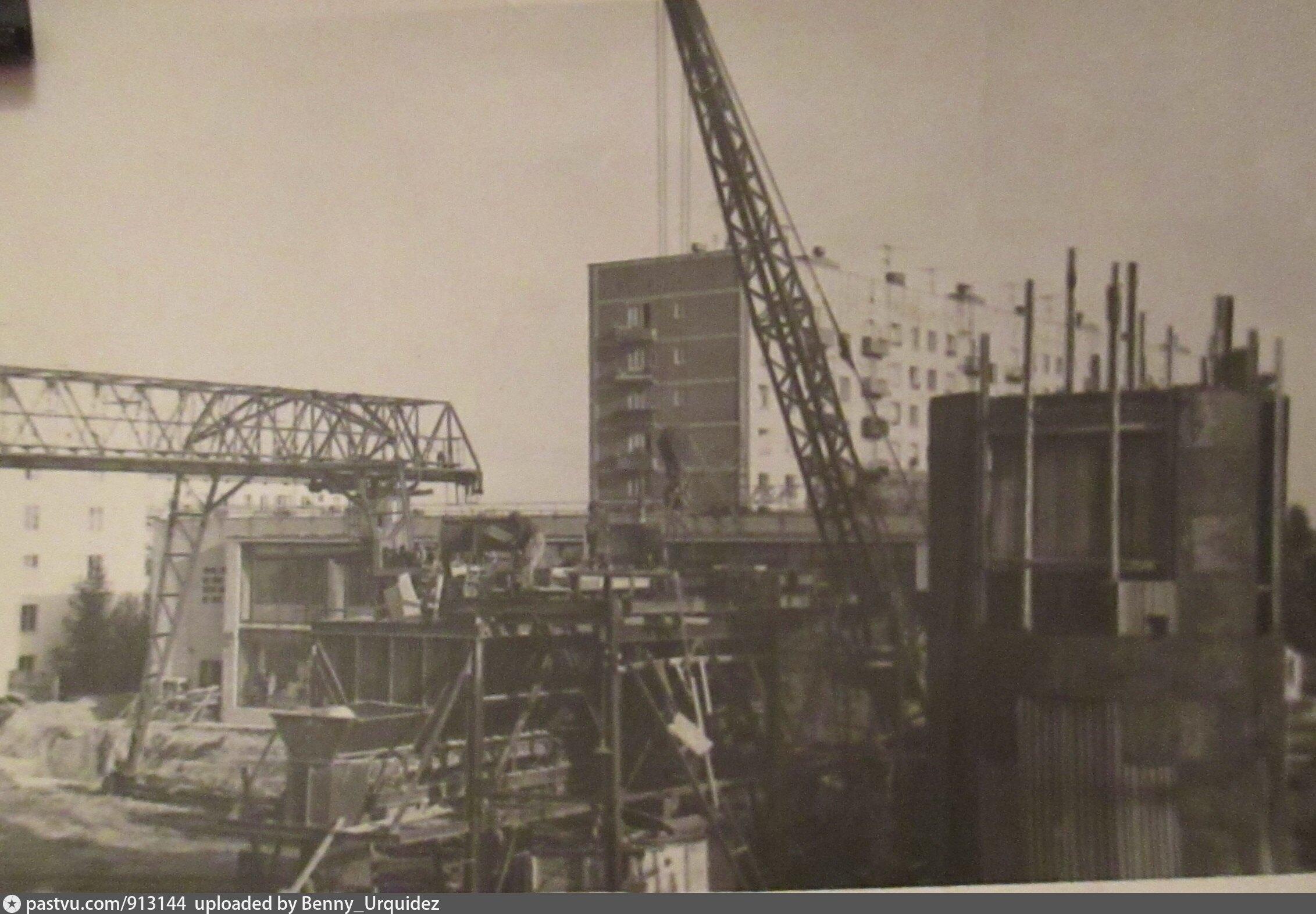 Варшавская строительство 60-е.jpg