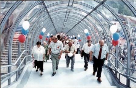 Лобня 2003 новый мост.jpg