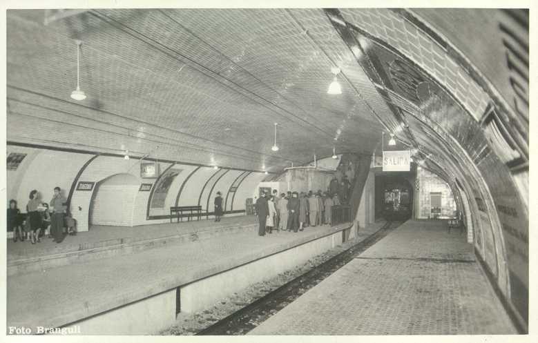 Diagonal открытие эскалатора 1941 год.jpg