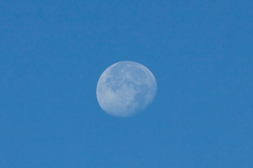 Утренняя луна