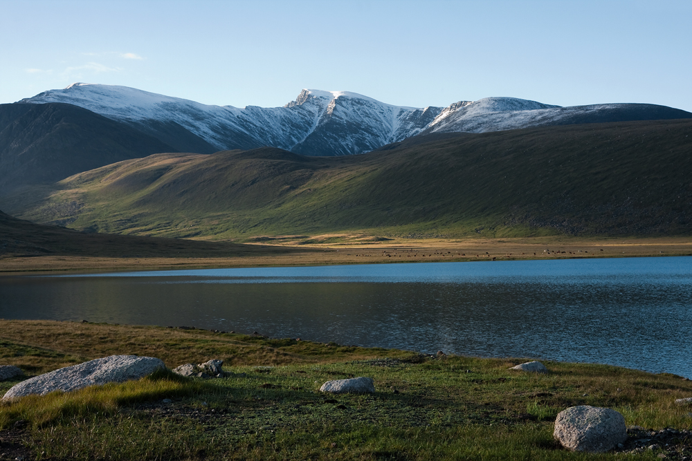 Утро на озере Киндыктыкуль