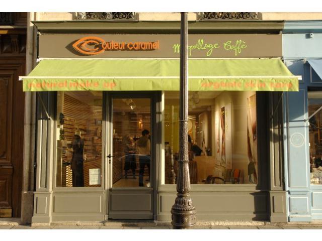 Maquillage_Caffe-Couleur-caramel-Institut-de-beaute-bio-Cosmetiques-naturels-biologiques-paris_fs