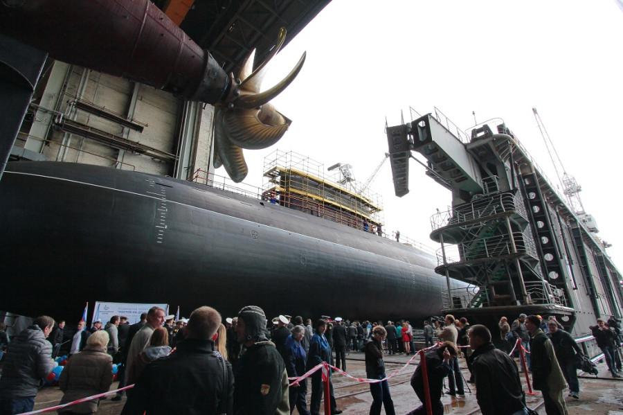 Фотографии спуска подводной лодки Ростов-на-Дону 110