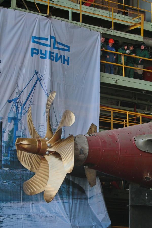 Фотографии спуска подводной лодки Ростов-на-Дону 103