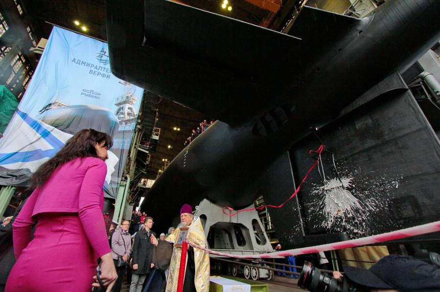 Фотографии спуска подводной лодки Ростов-на-Дону 107