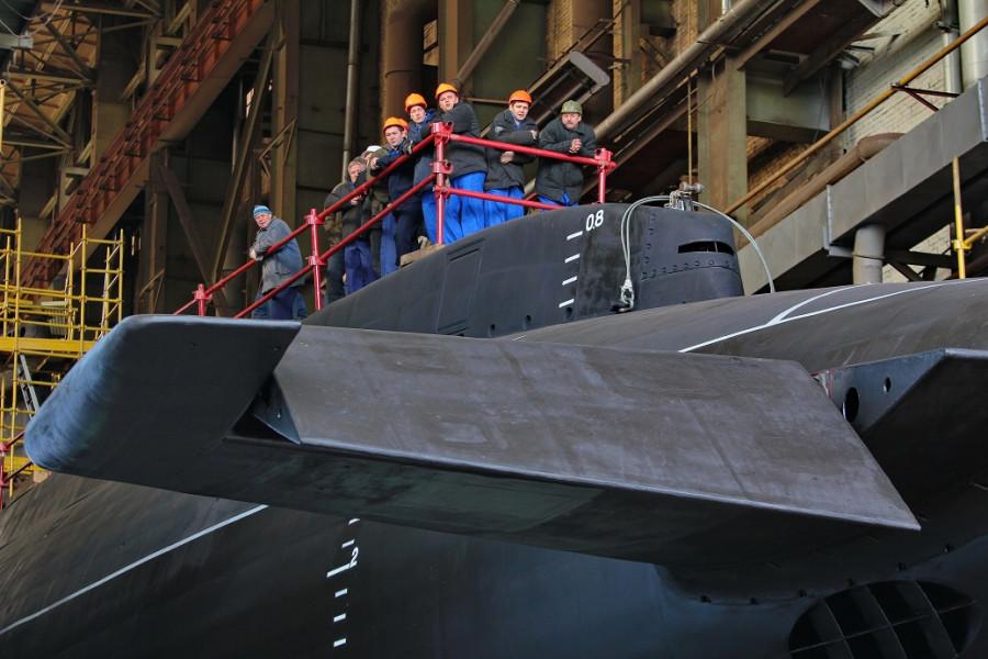 Фотографии спуска подводной лодки Ростов-на-Дону 104