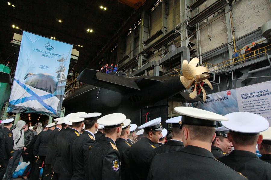 Фотографии спуска подводной лодки Ростов-на-Дону 108