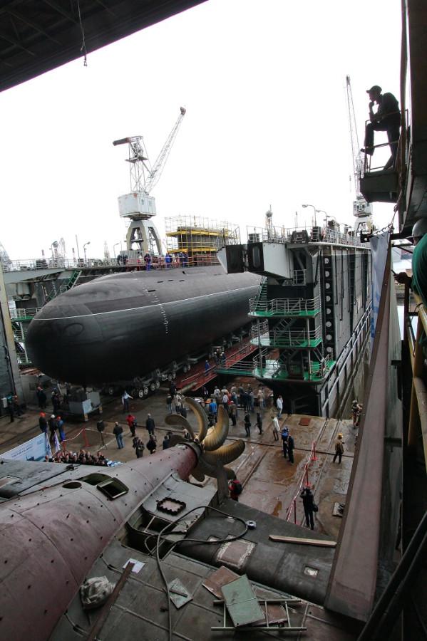 Фотографии спуска подводной лодки Ростов-на-Дону 112