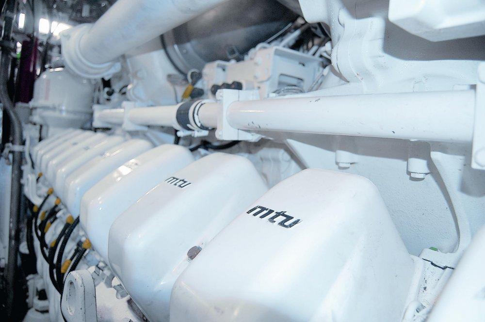MTU_Image-3_Propulsion-2xMTU-20V-4000-M93L-diesels-@-4300kW