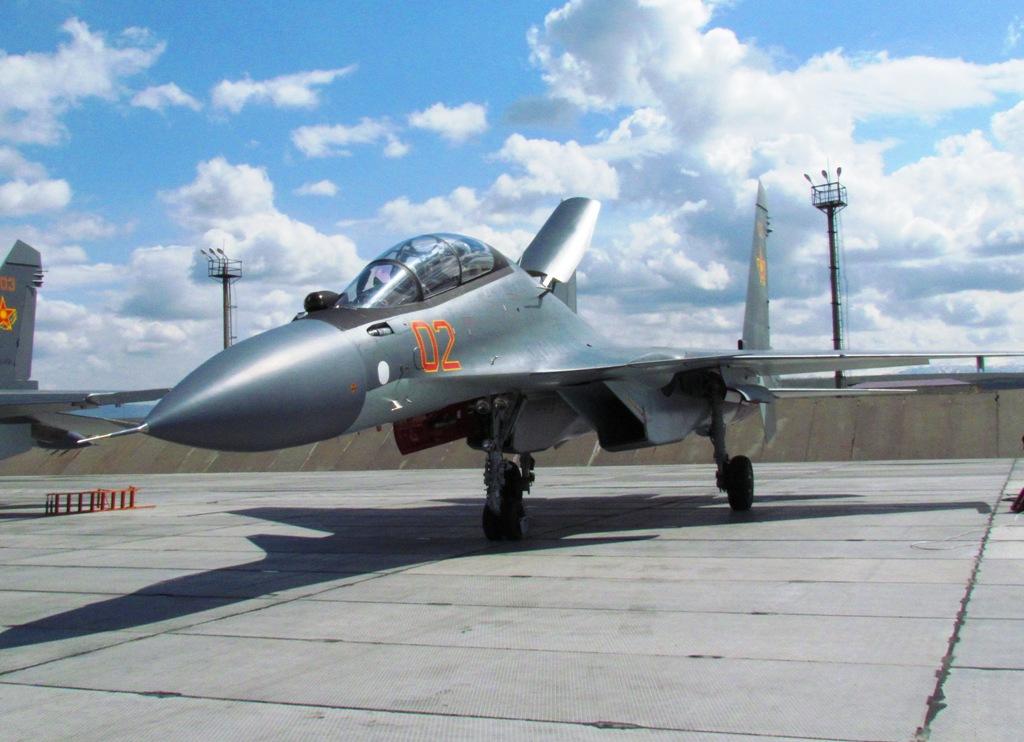 Истребитель Су-30&