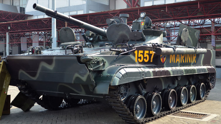 Russian-IFVs-ready-for-amphibious-missions-_ID14D2_