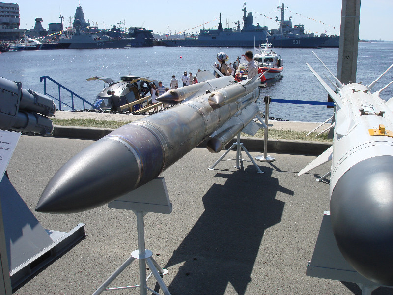 _Новые противокорабельные ракеты Х-31АД и Х-35УЭ