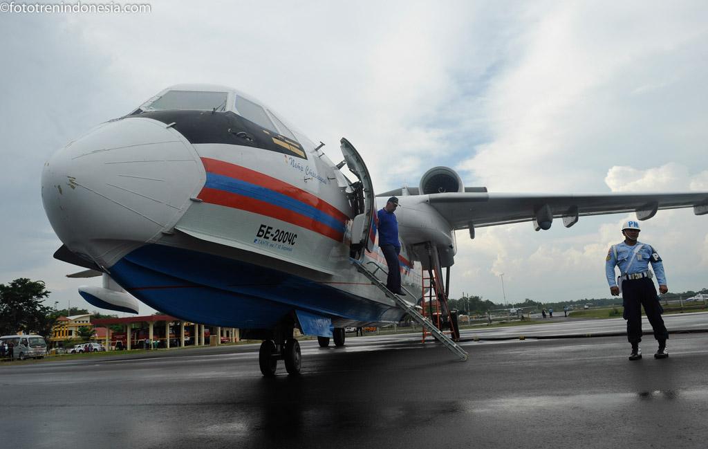 antarafoto-pesawat-rusia-070115-pras-4