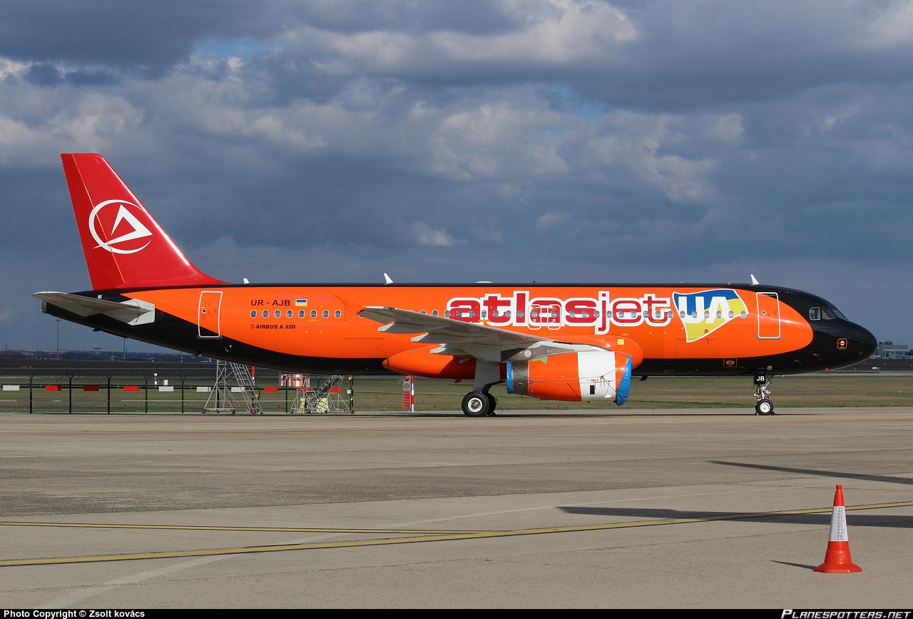 ur-ajb-atlasjet-ukraine-airbus-a320-233_PlanespottersNet_440352