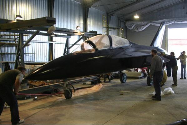 SR-10 jet trainer 2705570_original