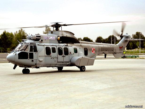 Polish-Air-Force_Eurocopter-EC725-Caracal_040413