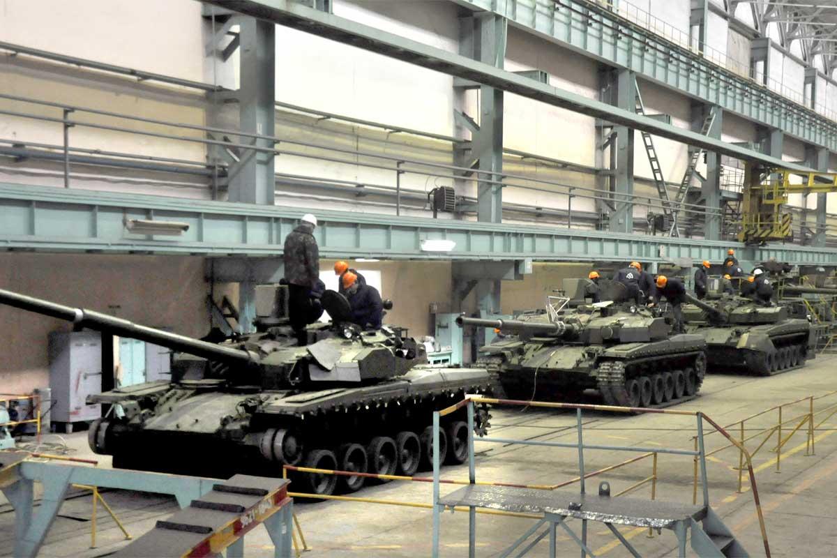 """Работа по контракту на танки БМ """"Оплот-Т"""" для Таиланда """"идет в штатном режиме"""""""