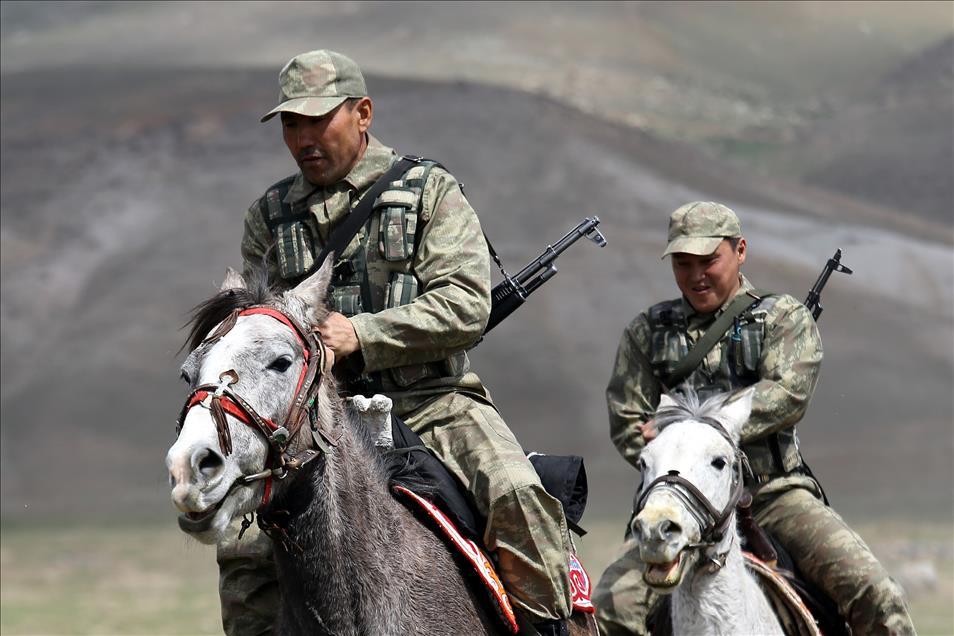 Киргизы на охране турецких сел и деревень