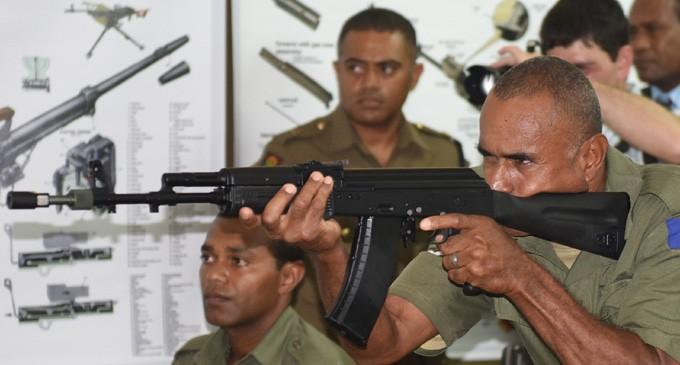Фиджи официально передана партия российского вооружения