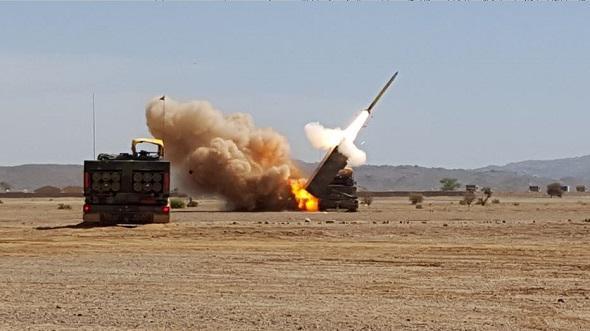 Первая боевая стрельба французской РСЗО LRU против исламистов в Мали