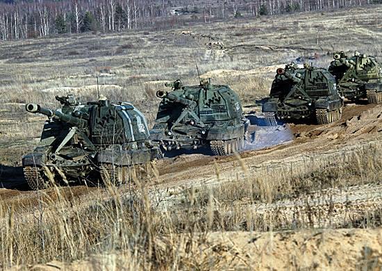 1-я гвардейская танковая армия получает новые 152-мм самоходные гаубицы 2С33 «Мста-СМ»