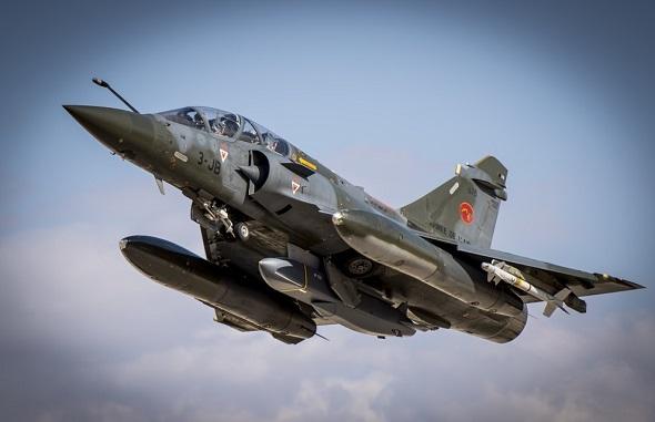 """Истребители Mirage 2000D впервые выпустили ракеты SCALP EG по позициям """"Халифата"""""""