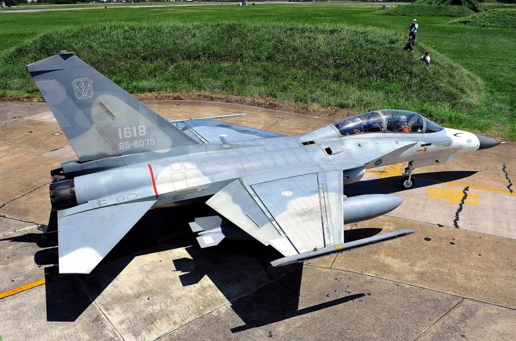 На Тайване начато создание учебно-боевого самолета на базе истребителя Ching-kuo