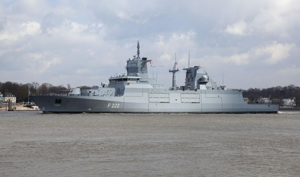 Первый германский фрегат проекта 125 в море