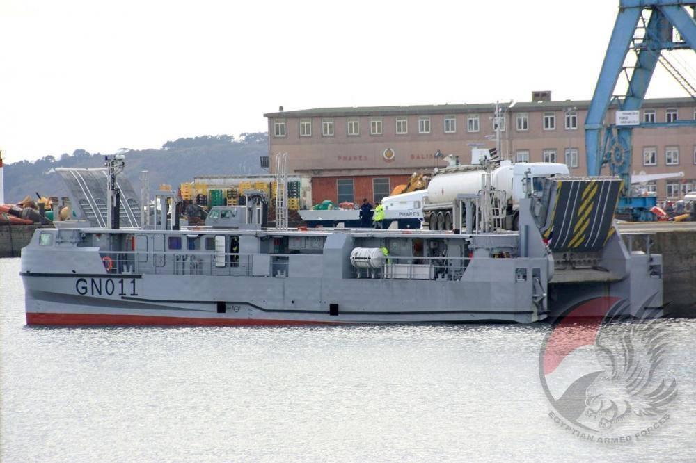 Египет получит десантные катера типа EDA-R, строившиеся для России