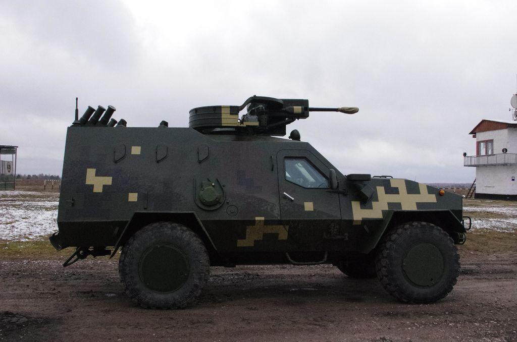 Украинский бронеавтомобиль «Дозор-Б» с двумя 23-мм авиационными пушками ГШ-23Л