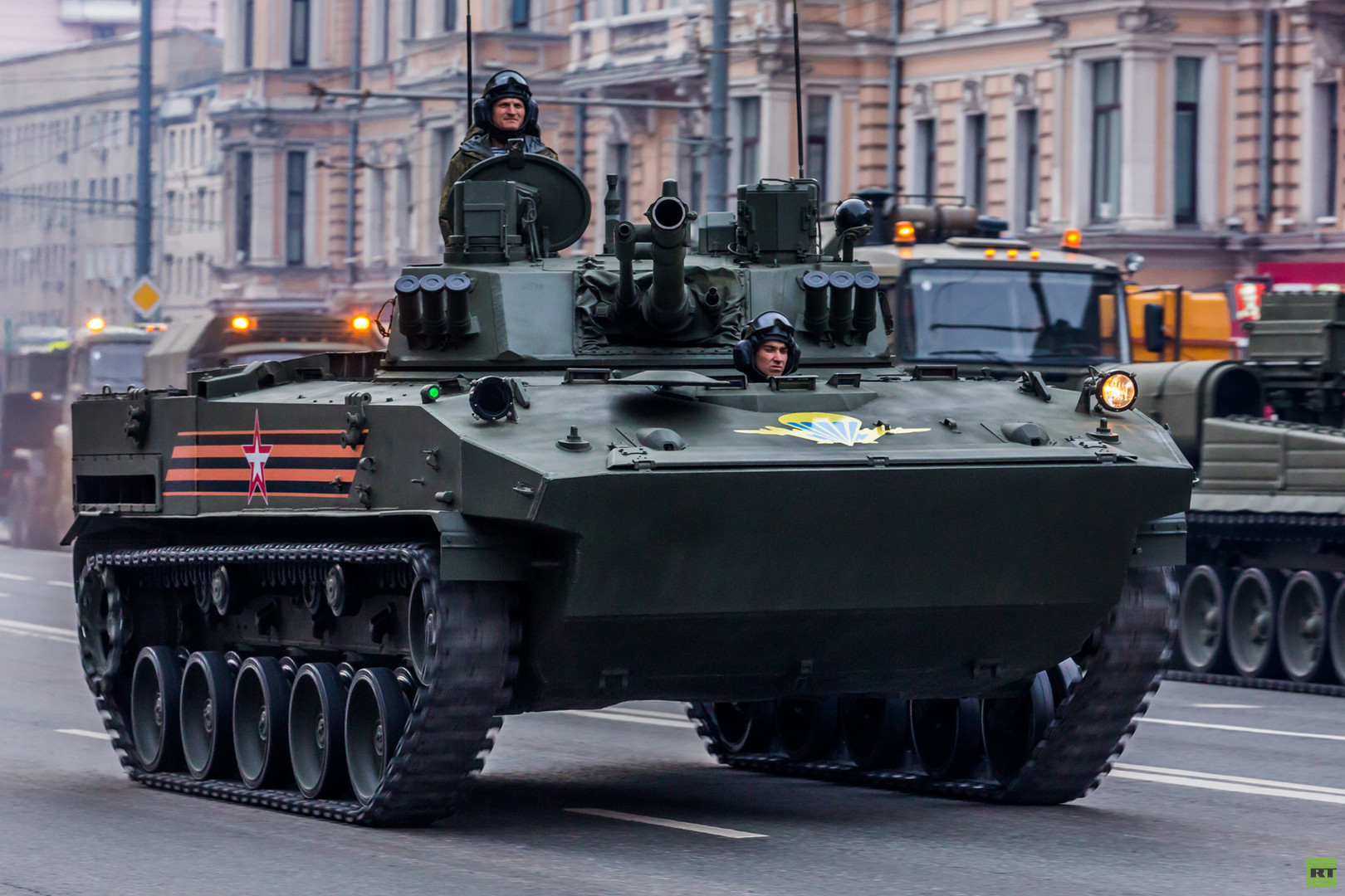 БМД-4М и БТР-МДМ официально приняты на вооружение