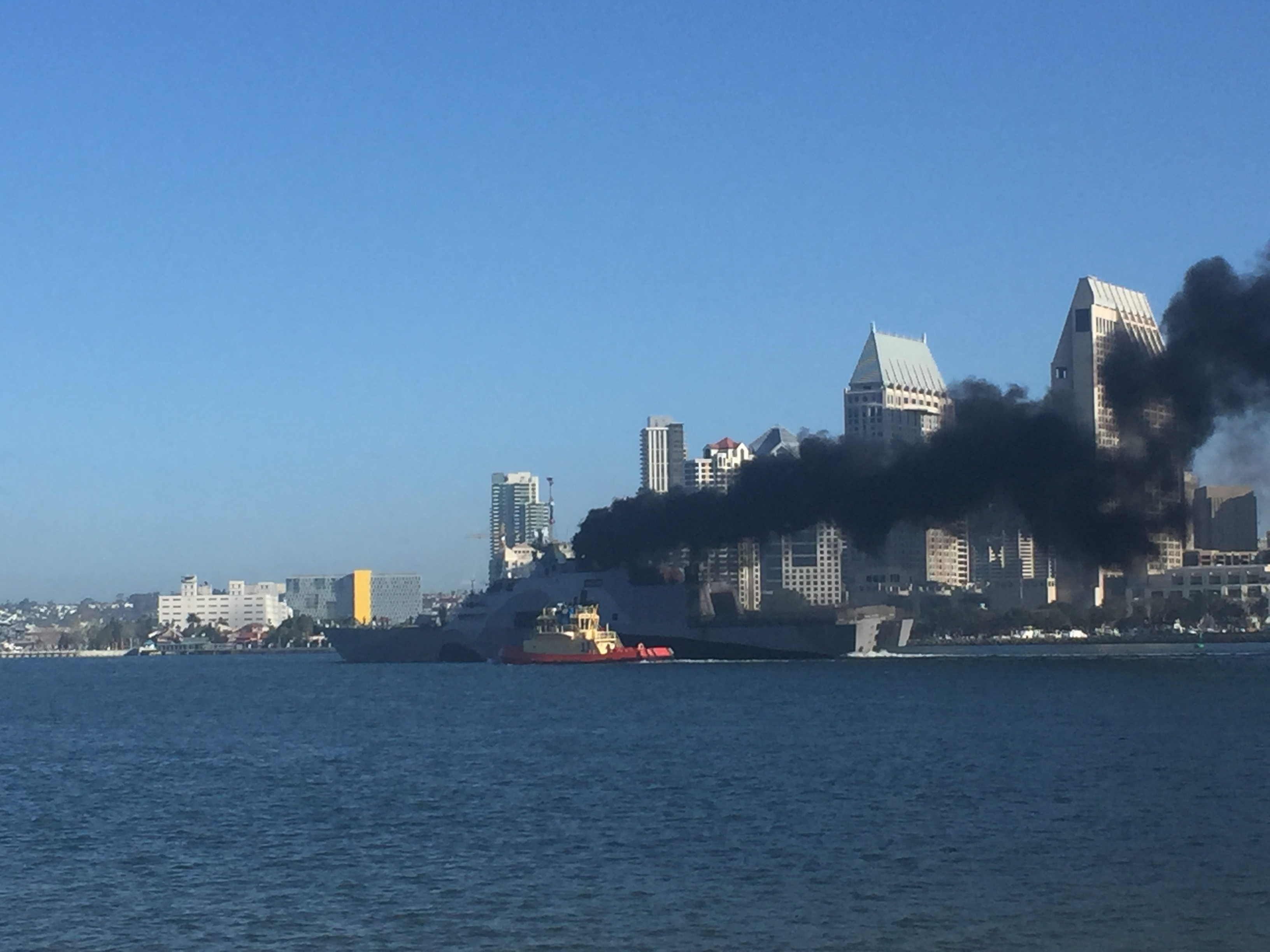 USS Freedom под парами