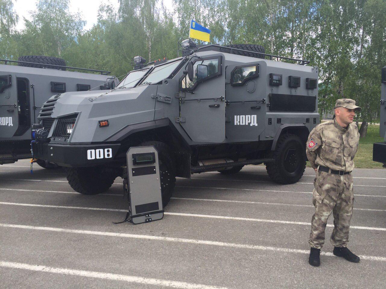 Украинский спецназ МВД получил первые бронемашины «Варта-2»