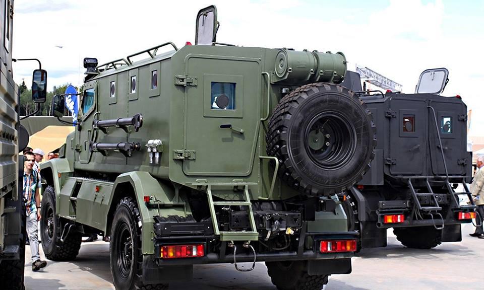 Командно-штабные машины на базе бронированных автомобилей «Патруль»