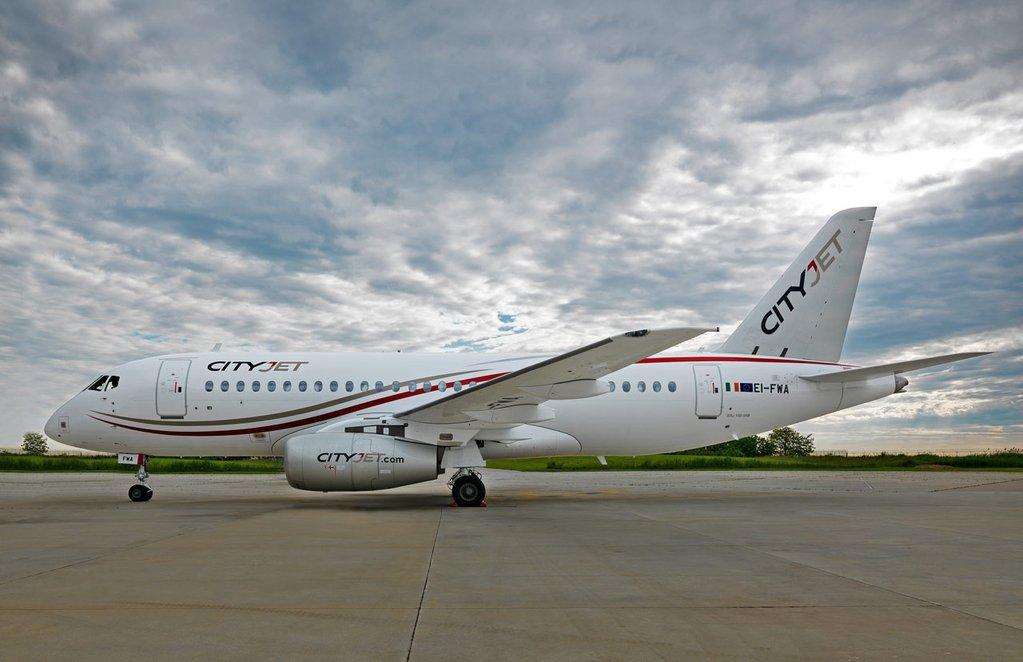 Ирландская авиакомпания CityJet получила первый самолет SuperJet SSJ100