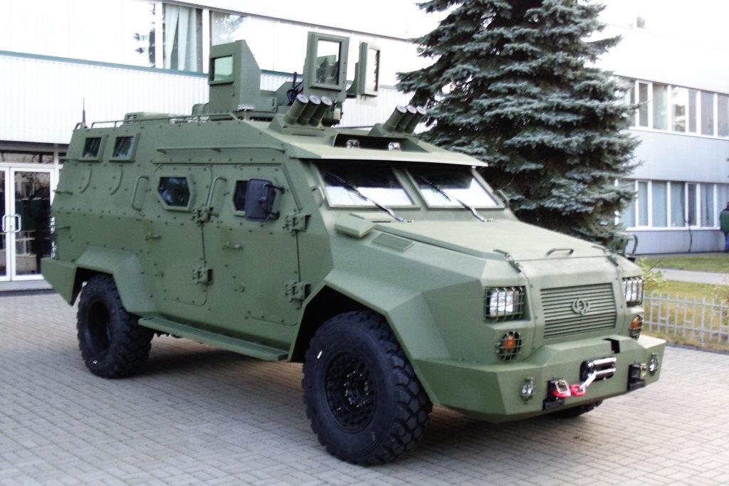 """Предсерийный вариант украинского бронеавтомобиля """"Барс-8"""""""
