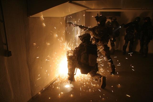 3212833_800 Спецназ и спецоперации - обобщение опыта Защита Отечества