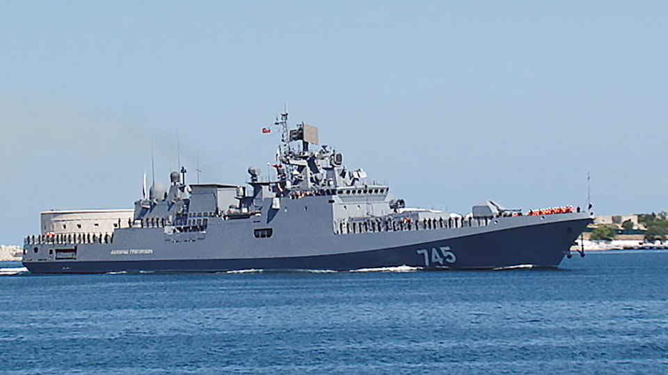 """Фрегат """"Адмирал Григорович"""" прибыл в Севастополь"""