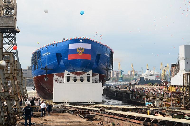 """Спущен на воду новый атомный ледокол """"Арктика"""""""