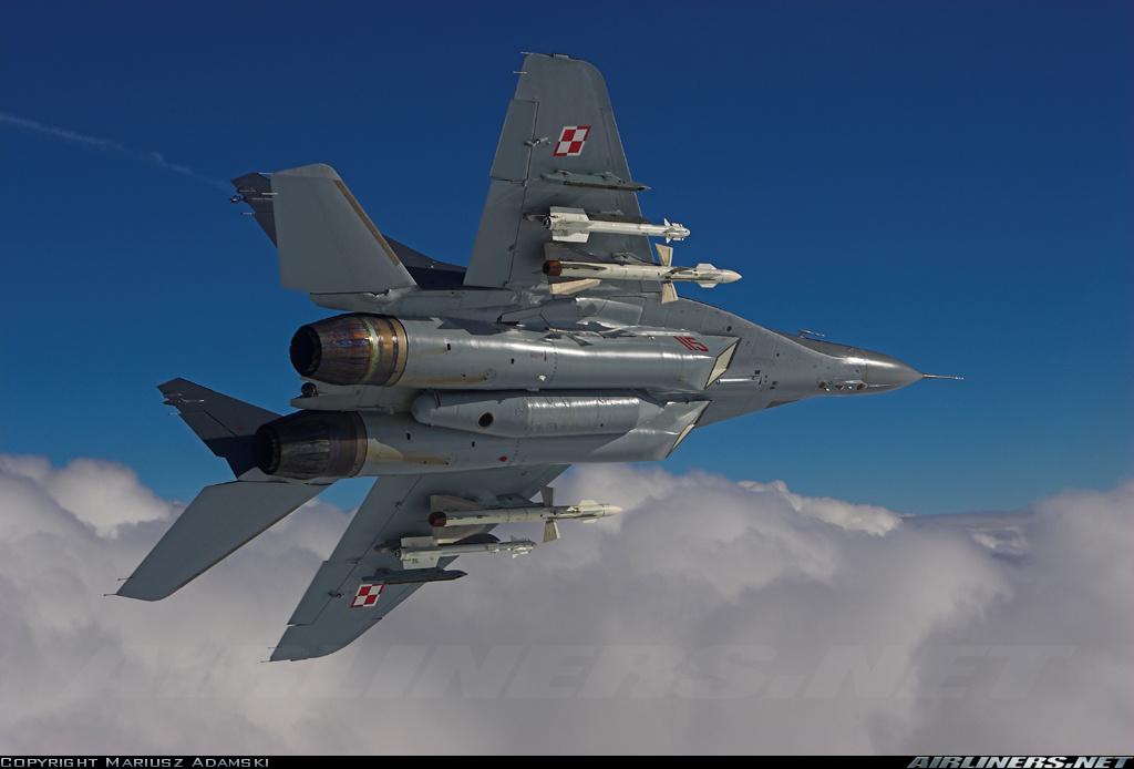ВВС Польши приобретают на Украине 40 авиационных ракет Р-27Р1