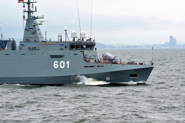 Polish_Navy_Kormoran_II_MCMV_1