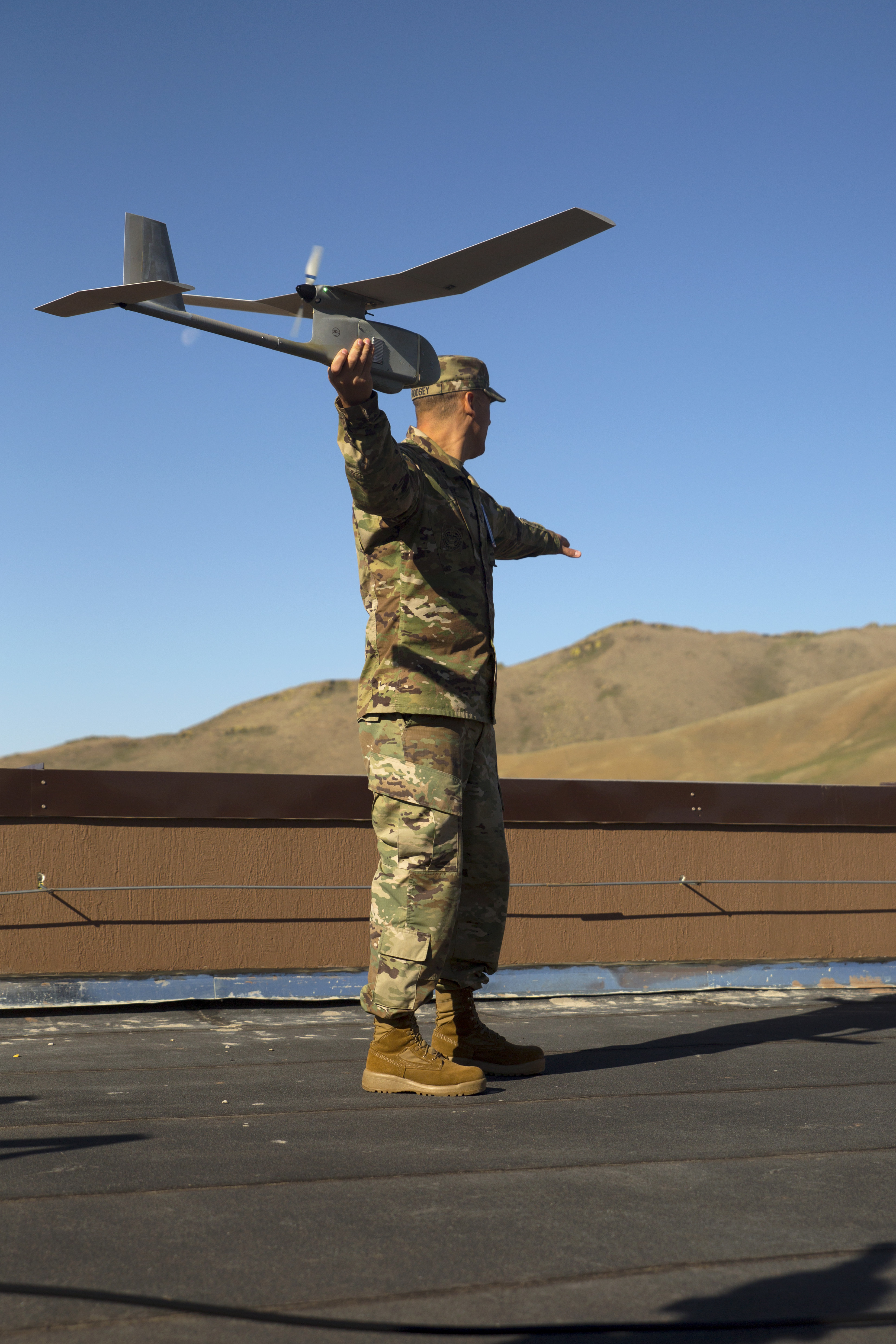 Украина получила американские беспилотные летательные мини-аппараты Raven