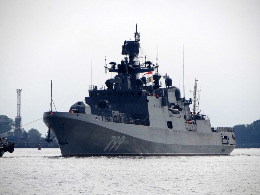 """Фрегат """"Адмирал Макаров"""" в море"""