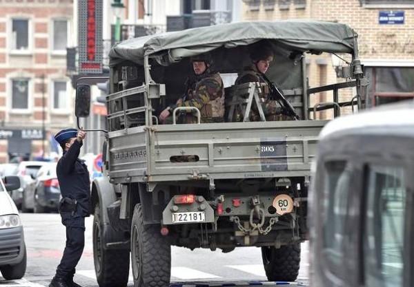 Бельгийские военные перерабатывают в ходе операции «Vigilant Guardian» и увольняются из армии
