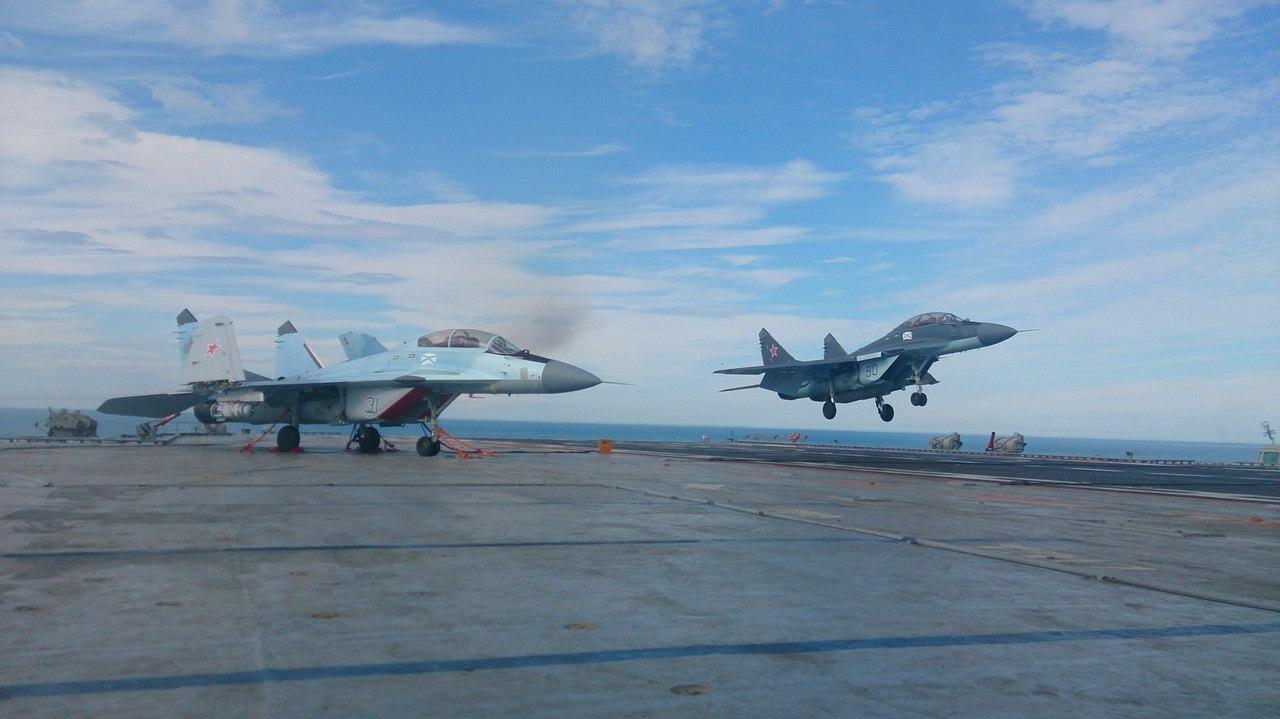 """Полеты МиГ-29К с """"Адмирала Кузнецова"""""""