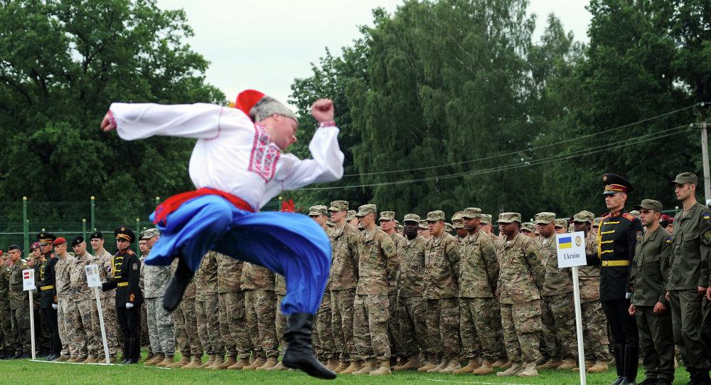 Бывший командующий Центрального командования США стал советником украинского правительства