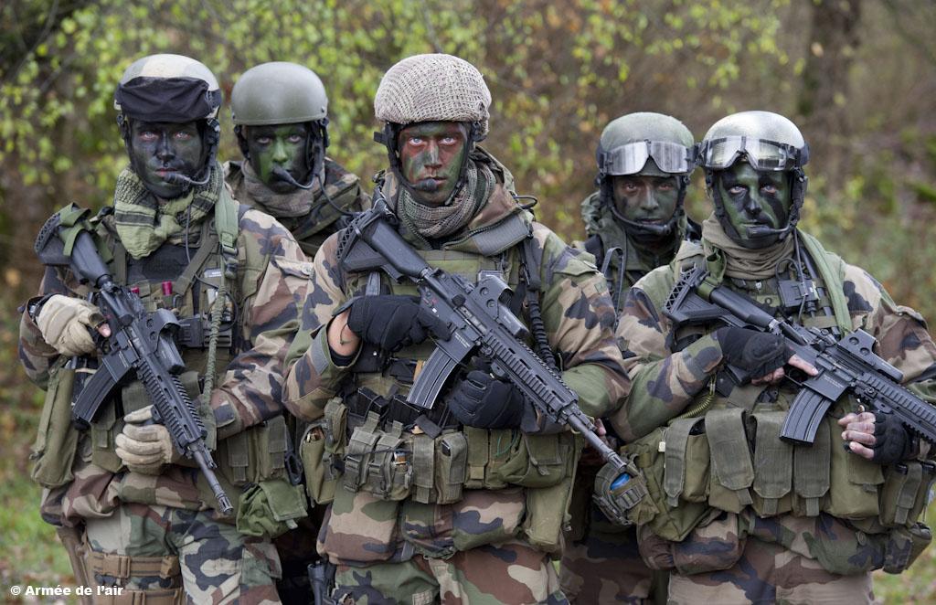 """Заминированный БЛА """"Халифата"""" ранил двоих французских спецназовцев и убил двух курдов"""