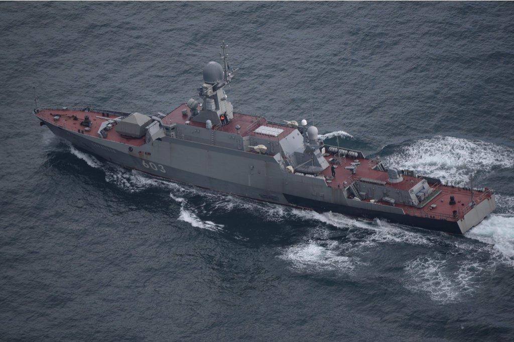 """Малые ракетные корабли """"Зелёный Дол"""" и """"Серпухов"""" идут на Балтику"""