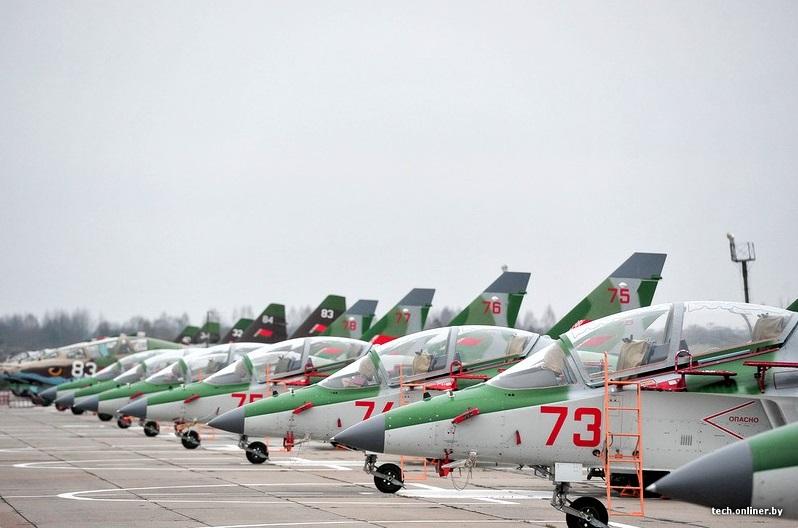 Белоруссия получила еще четыре самолета Як-130