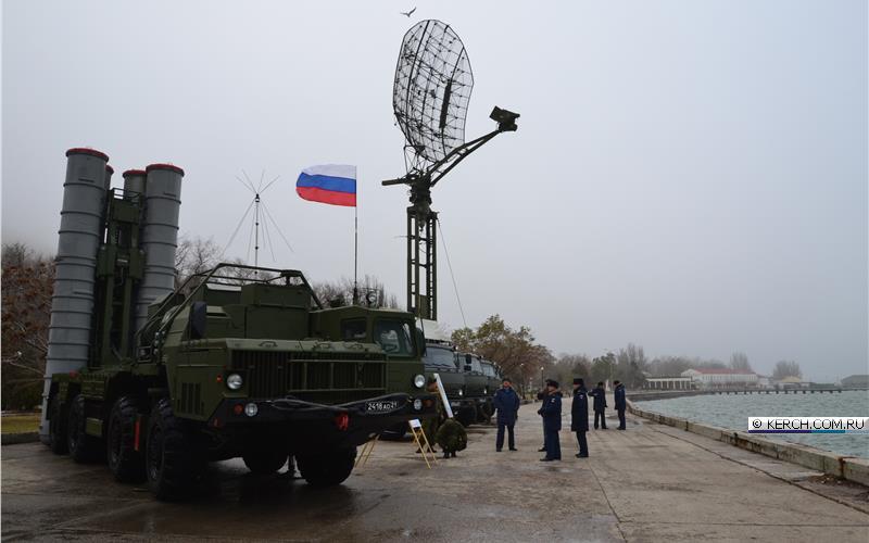 В 2016 году Министерство обороны России получило пять полковых комплектов ЗРС С-400